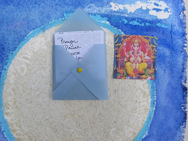 mandala-pause-prayer-roni-detail-blog-linda-wiggen-kraft-blog