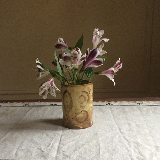 blog-creativity-for-the-soul-vase-mug-photo-linda-wiggen-kraft-blog copy