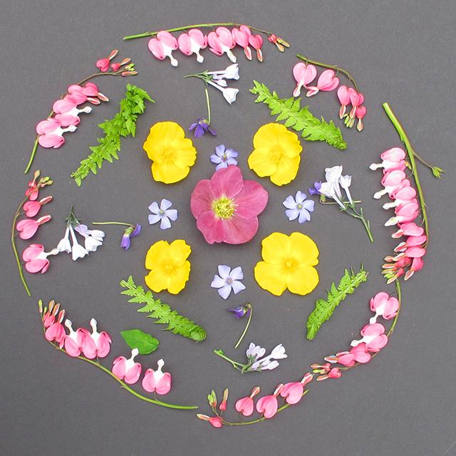 mandala-spring-flowers-4-blog-creativity-for-the-soul-photo-linda-wiggen-kraft-blog
