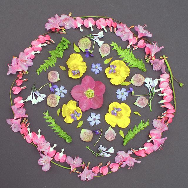 mandala-spring-flowers-final-blog-creativity-for-the-soul-photo-linda-wiggen-kraft-2-blog