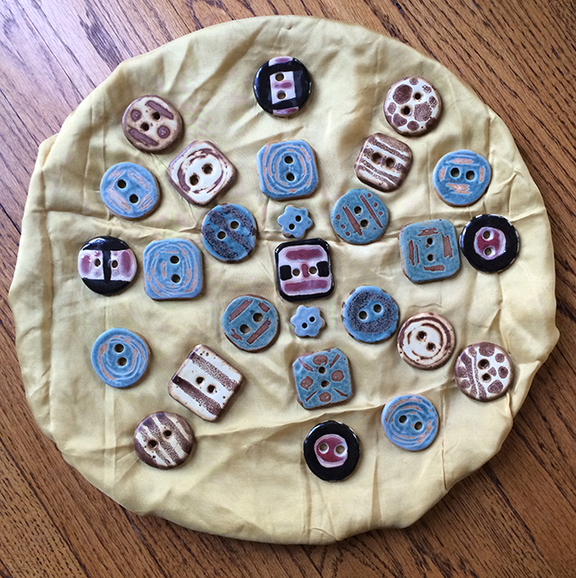 ceramic-button-by-linda-wiggen-kraft-blog-creativity-for-the-soul-blog