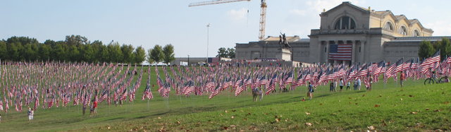 Saint Louis Art Museum, Art Hill honors 2,996 victims of 9/11/2001 with flags for each
